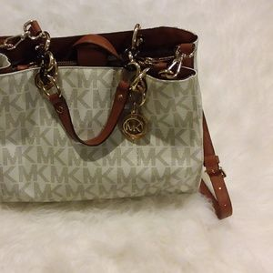 Michael Kors purse EUC